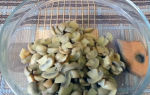 Рецепты салатов из жареных и консервированных шампиньонов для праздничного стола с фотографиями