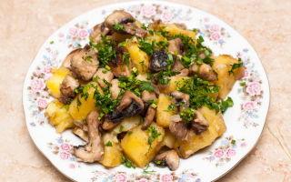 Как приготовить опята с мясом: рецепты блюд в духовке, мультиварке и на сковороде