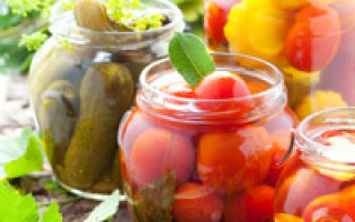 Огурцы с помидорами хрустящие на зиму — рецепт с пошаговыми фото