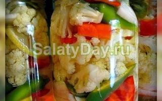 Салат из перца и помидоров на зиму — 5 рецептов с фото пошагово