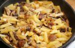 Картошка с грибами и помидорами, запеченная в духовке или жареная на сковороде