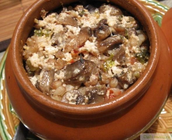 сушеные грибы в горшочке