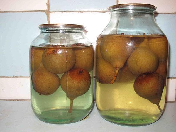 Компот из дикой груши на зиму на 3-х литровую банку - простой рецепт от автора