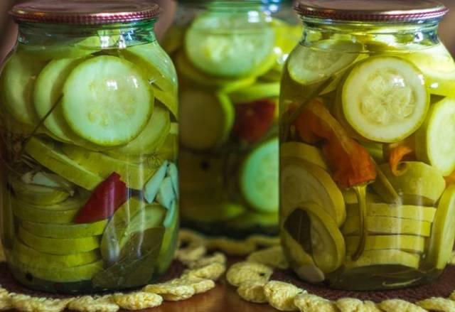 Хрустящие маринованные кабачки без стерилизации на зиму - рецепт с пошаговыми фото
