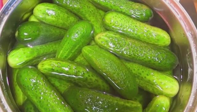 Салат из огурцов пальчики оближешь на зиму - 10 рецептов с фото пошагово
