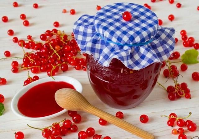Желе из красной смородины в соковарке на зиму - простой пошаговый рецепт