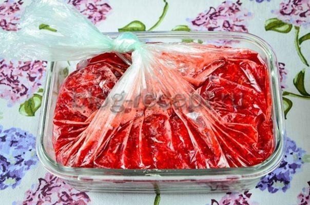 Клубника с сахаром без варки в морозилке на зиму - 8 рецептов приготовления с пошаговыми фото