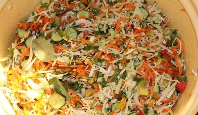 Салат Охотничий - 10 рецептов на зиму с пошаговыми фото