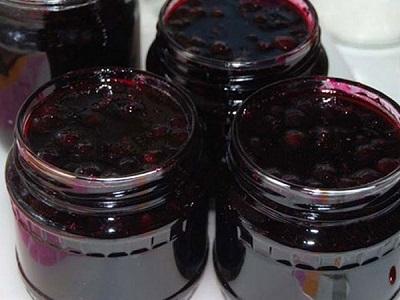Черная смородина, протертая с сахаром без варки на зиму - простой пошаговый рецепт