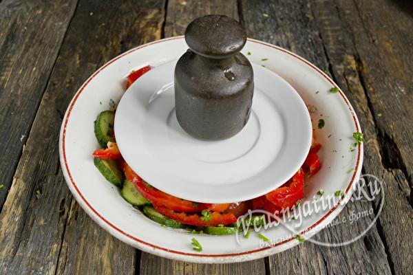 Салат Донской с красными помидорами и огурцами на зиму - рецепт с пошаговыми фото