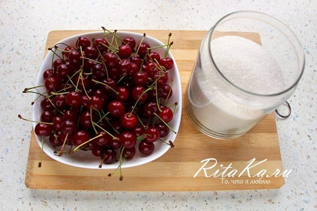 Вишня в собственном соку без косточек на зиму - самые простые рецепты