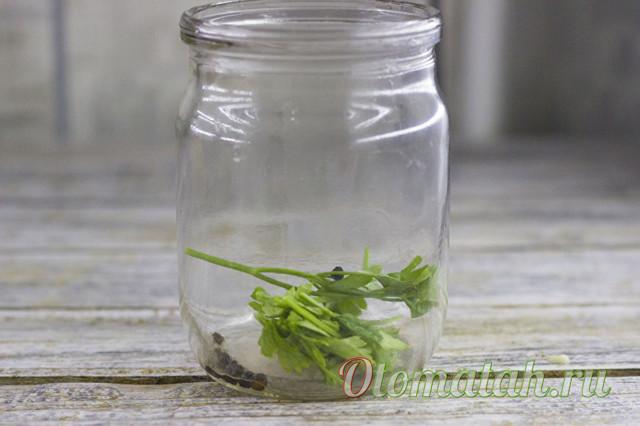Помидоры с чесноком внутри на зиму - рецепт с пошаговыми фото