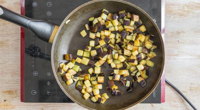 Классическая баклажанная икра на зиму - рецепт с пошаговыми фото