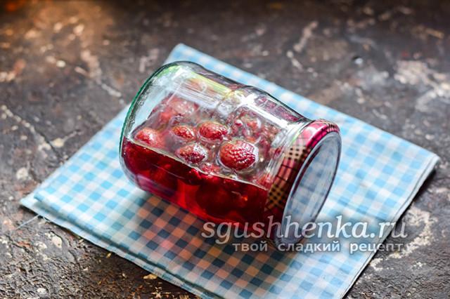 Компот из земляники с малиной на зиму - рецепт с пошаговыми фото