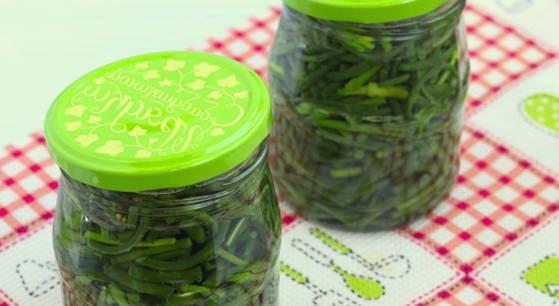Маринованные стрелки чеснока на зиму - 5 рецептов приготовления с пошаговыми фото