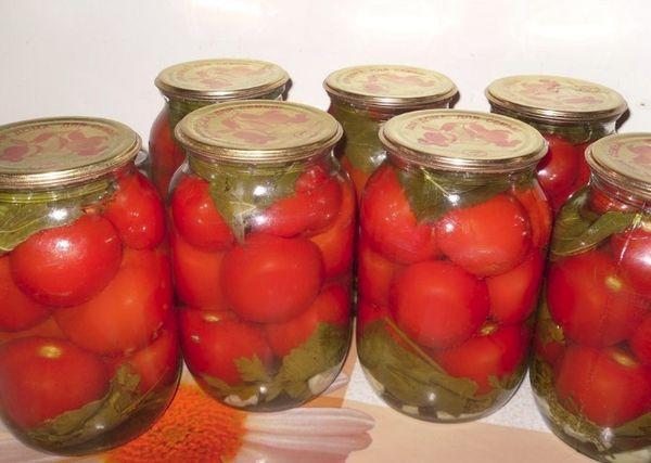Кислые помидоры на зиму - 25 рецептов пальчики оближешь с пошаговыми фото