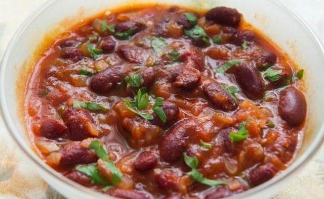 Салат с фасолью, помидорами и болгарским перцем на зиму - простой рецепт от автора пошагово