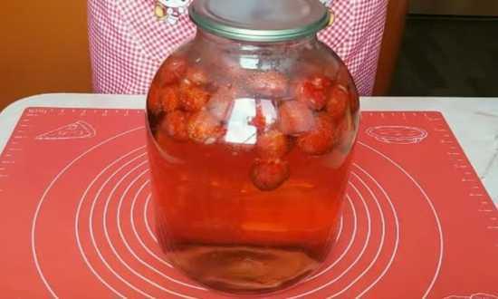Компот из клубники на зиму на 3-х литровую банку - 5 рецептов с фото пошагово