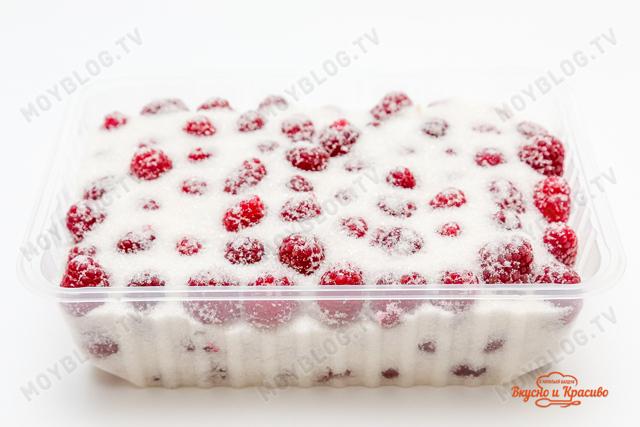 Малина протертая с сахаром без варки в морозилке на зиму - простой и вкусный рецепт с пошаговыми фото