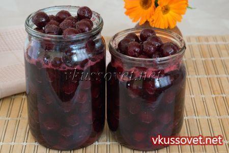 Вишни в собственном соку без косточек с сахаром на зиму - рецепт с пошаговыми фото