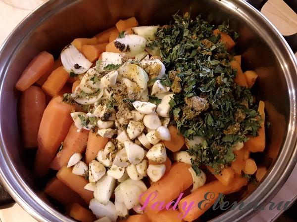 Морковная икра с томатной пастой на зиму - рецепт с пошаговыми фото
