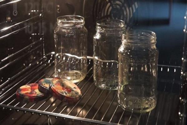 Аджика из свеклы на зиму - простой пошаговый рецепт