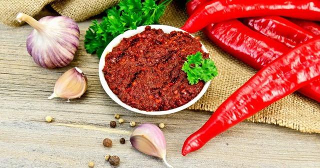 Аджика из острого перца на зиму - простой пошаговый рецепт
