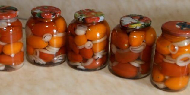 Маринованные помидоры с луком и морковью на зиму - рецепт с пошаговыми фото