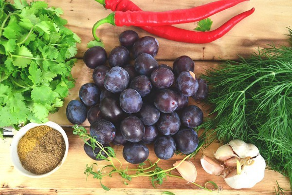 Ткемали из абрикосов к мясу на зиму - рецепт приготовления с пошаговыми фото