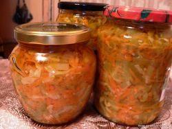 Салат охотничий с капустой и огурцами на зиму - простой и вкусный рецепт с фото