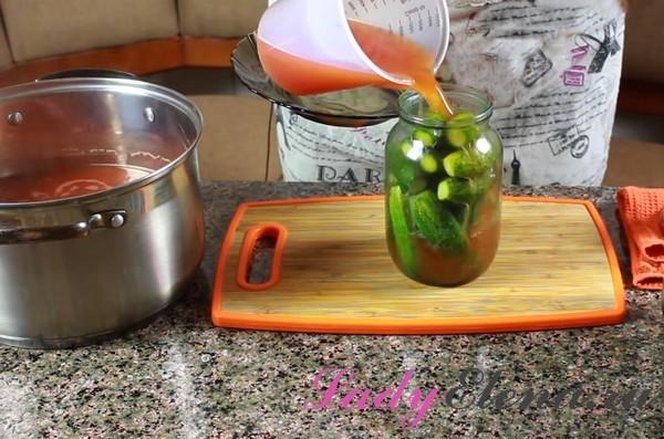 Огурцы с кетчупом на зиму - рецепт приготовления с пошаговыми фото