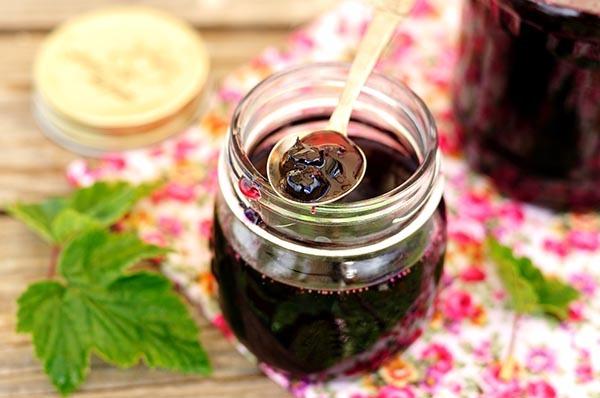 Красная смородина, протертая в блендере без варки на зиму - простой пошаговый рецепт