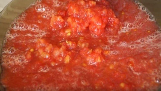 Помидоры в томатной пасте на зиму - рецепт приготовления с пошаговыми фото