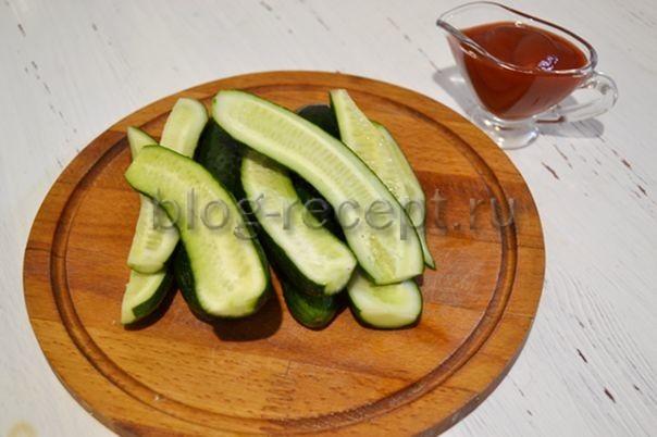 Огурцы с кетчупом чили на зиму - рецепт приготовления с пошаговыми фото