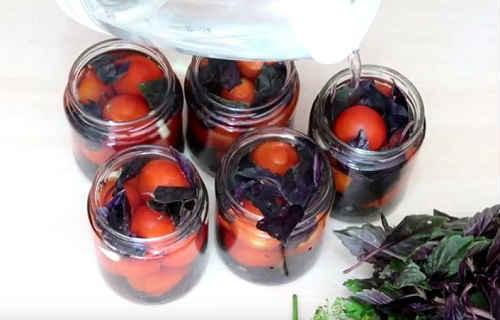 Помидоры с базиликом и лимонной кислотой на зиму - рецепт с пошаговыми фото