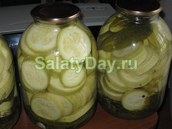 Засолка огурцов и помидоров на зиму в банках - 17 рецептов без стерилизации с пошаговыми фото