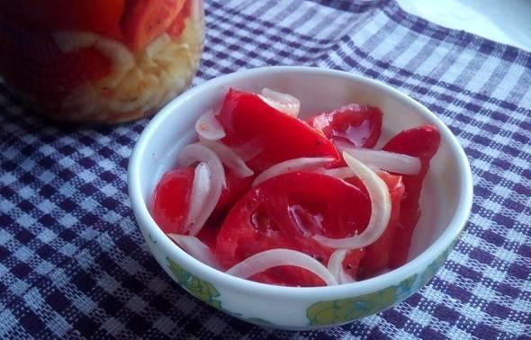 Помидоры дольками с луком на зиму - рецепт с фото пошагово