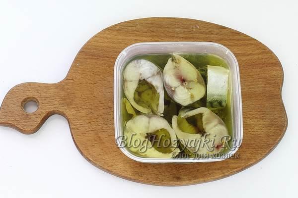 Скумбрия в масле на зиму - простой и вкусный рецепт с фото