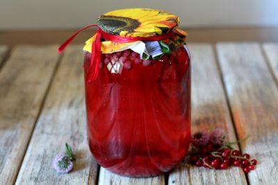 Компот из красной смородины на 2 литровую банку на зиму - простой пошаговый рецепт