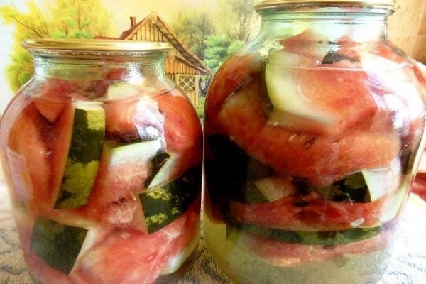 Соленый арбуз на зиму в банках - 23 рецепта с пошаговыми фото