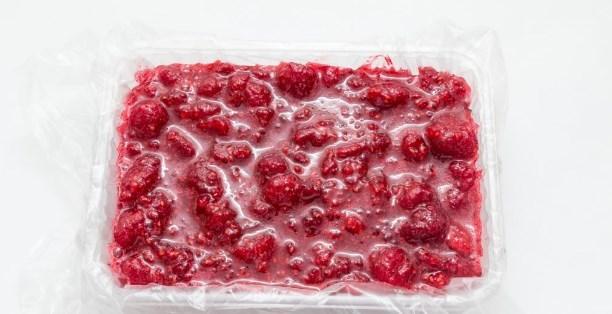 Малина протертая с сахаром в морозилке на зиму - простой и вкусный рецепт с пошаговыми фото