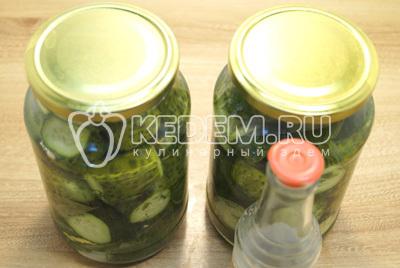 Соленые огурцы с чесноком и укропом на зиму - рецепт приготовления с пошаговыми фото