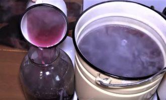 Компот из черной смородины и клубники на 3-литровую банку на зиму - простой рецепт от автора