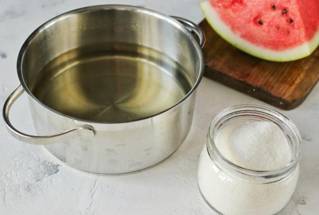 Арбуз в морозилке на зиму - пошаговый рецепт заготовки с фото