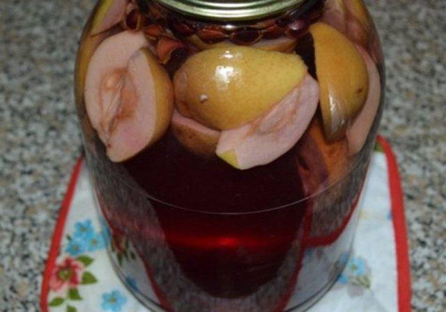 Компот из черноплодной рябины с лимоном на 3-литровую банку на зиму - простой пошаговый рецепт