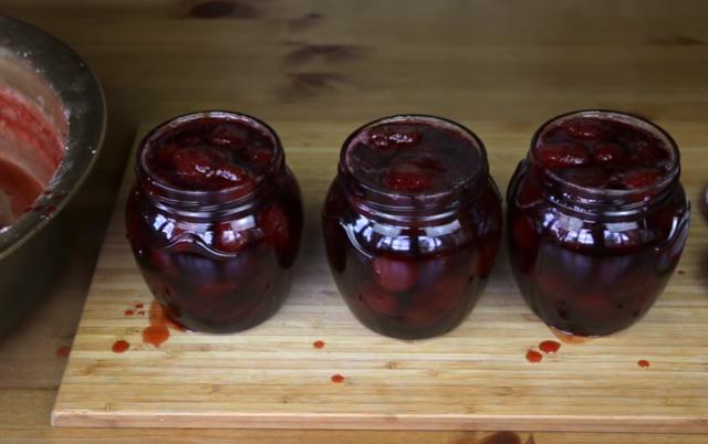 Клубника без варки целыми ягодами на зиму - 9 рецептов густого варенья в пошаговыми фото