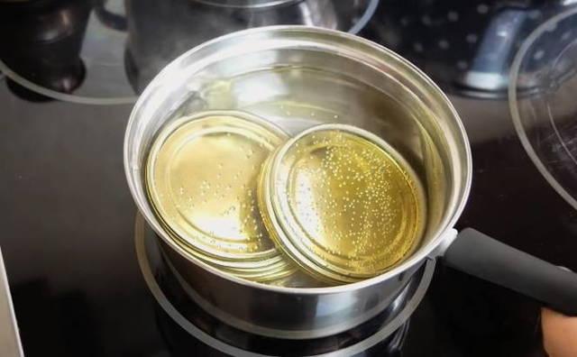 Огурцы с аспирином на зиму - 10 рецептов хрустящих маринованных огурцов в банке