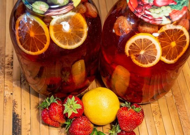Компот из клубники с лимоном на зиму - рецепт с пошаговыми фото