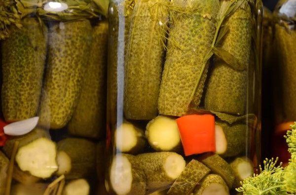 Маринованные огурцы с уксусом на зиму - 151 рецепт хрустящих огурцов в банках