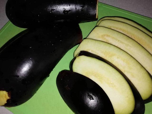 Салат Тещин язык из баклажанов с помидорами на зиму - рецепт с пошаговыми фото